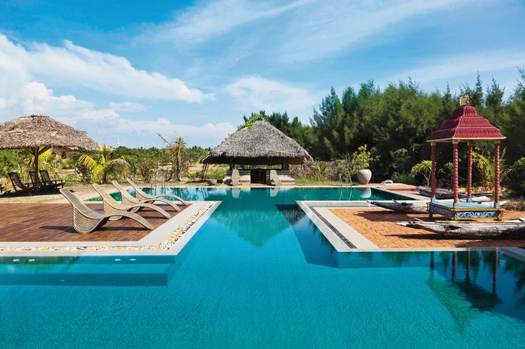 Swimming pool at Udekki resort, Sri Lanka