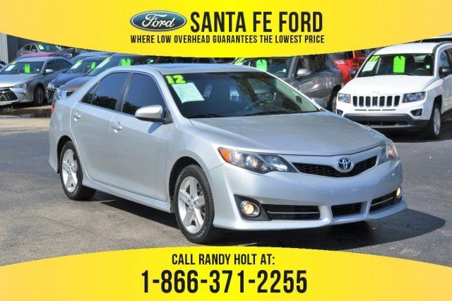 2012 Classic Silver Metallic Toyota Camry Le Automatic 4 Door Gas I4 2 5l 152 Engine Sedan Fwd Toyota Camry Used Toyota Camry