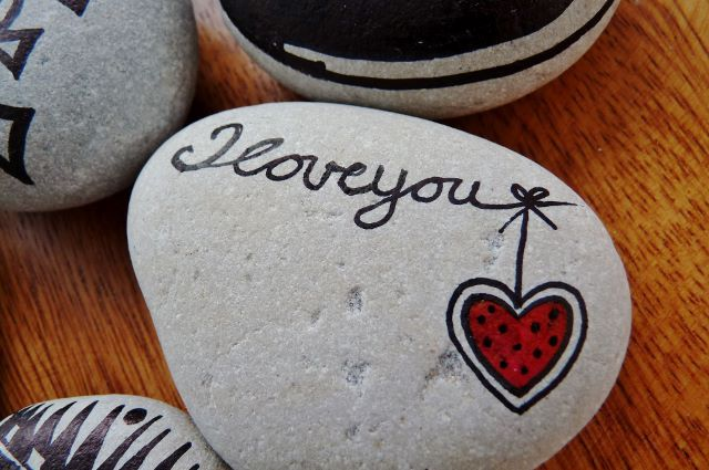 """I love you"" ~ pebbles from Portugal, hand painted by Sabine Ostermann"