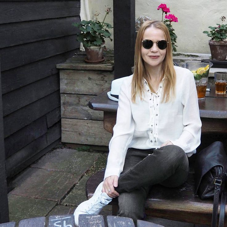 """157 Likes, 5 Comments - Gabriella Buzas (@epicstreetstyle) on Instagram: """"Happy Friday dearests 😘🎉 . ."""" minimal outfit white lace-up shirt rayban adidas summer hiking pimms pub"""