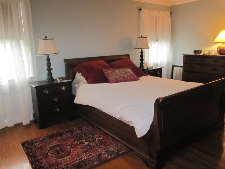 Mbr Benjamin Moore Gray Wisp Paint Sleigh Bed Oriental Rugs For The Home Pinterest Gray Benjamin Moore And Guest Rooms