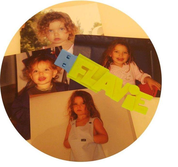 Ma fille fait, déjà, 18 ans aujourd'hui.... 🎁 une Clé USB personnalisée Avec VOTRE TEXTE ! 🎁 👉 http://www.cle-usb-fun.fr