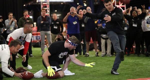 HOUSTON – It's Super Bowl weekend, so Adam Vinatieri made the big kick(s). Then he collapsed to the turf.