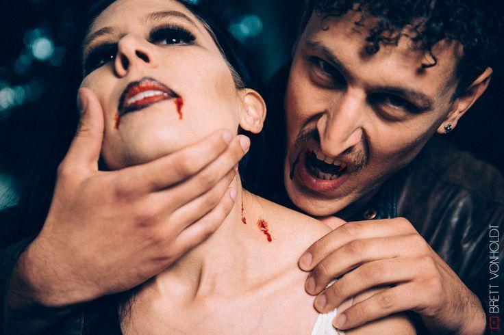 Vampire lord: Vampire victim, neck bite/wound, dark make-up, blood,