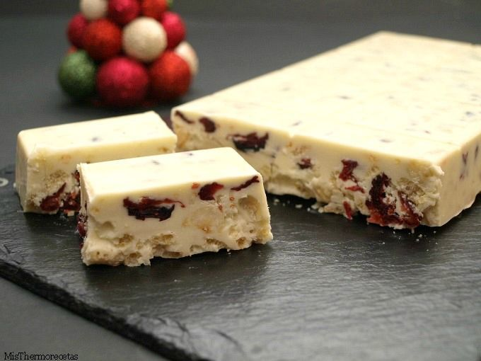 Turrón de chocolate blanco con arándanos y avellanas - MisThermorecetas