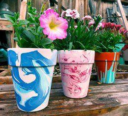Nagellack Marmorierte Blumentöpfe – DIY Craft Ideas