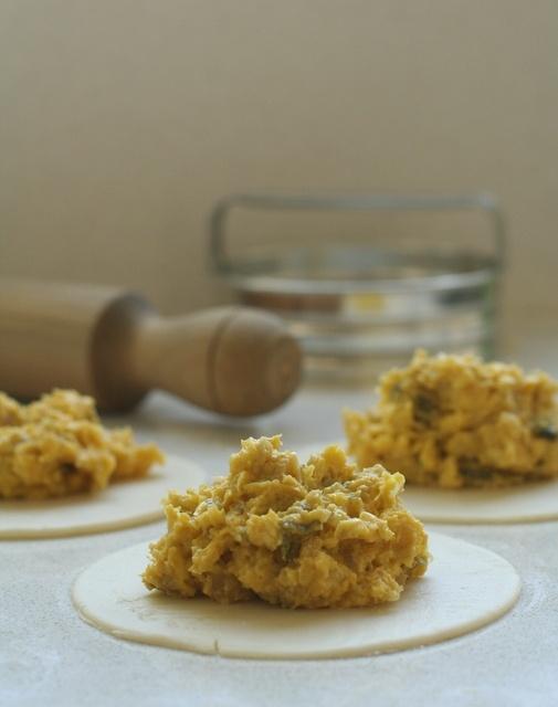 El tenedor rosa: Empanadas de humita (masa + relleno)