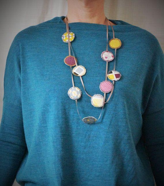 Unique colourful light necklace multi coloured gray par Creatine1