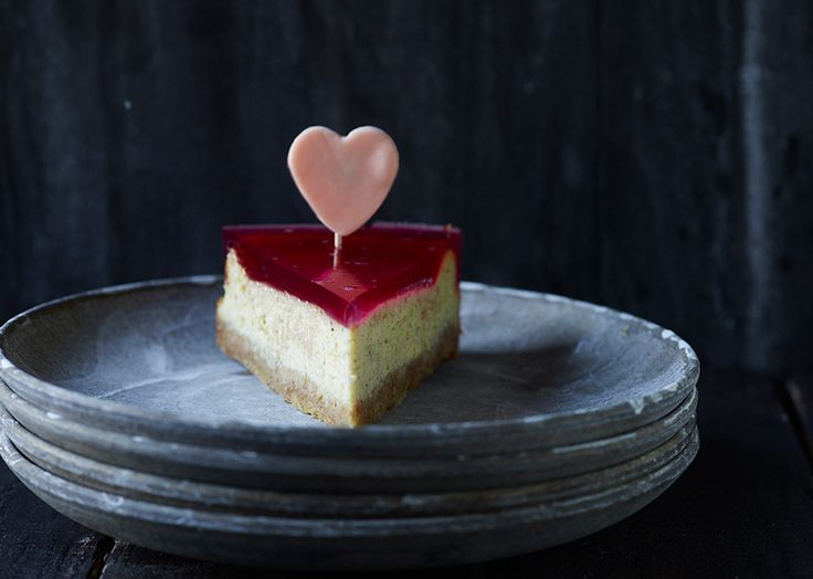 Cheesecake med rabarbergele