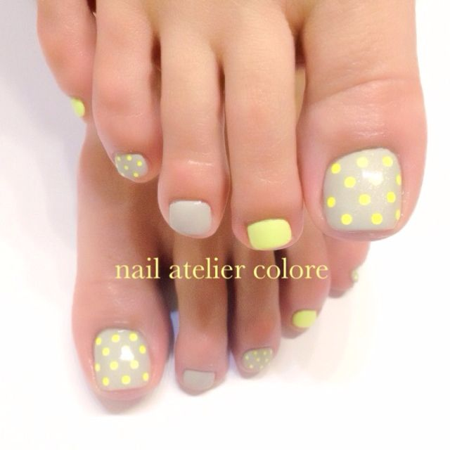 Grey-Yellow Dot Toe Nail Art  #nailbook