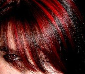peinado-emo-rojo.jpg (300×262)