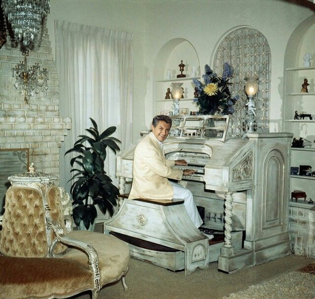 17 Best Images About Liberace At Home On Pinterest Las