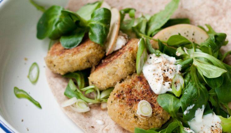 Homemade falafel, wie is er niet gek op deze lekker snack uit het Midden-Oosten? Je kunt…