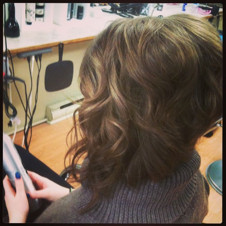 Inverted bob with loose curls. 1'' curling iron