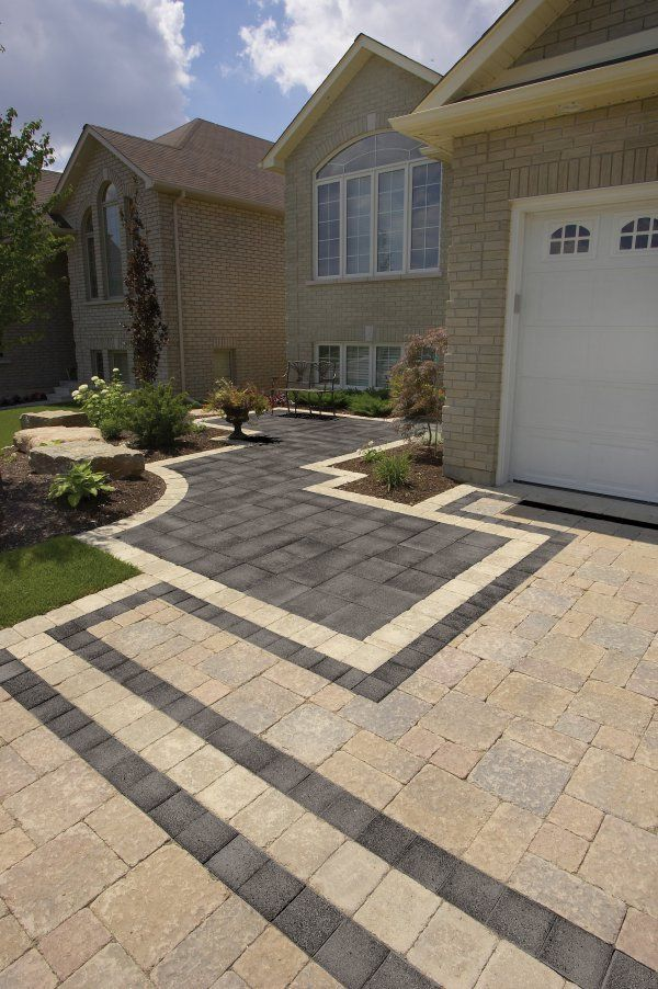Driveway and entrance with Series 3000 paver by Unilock