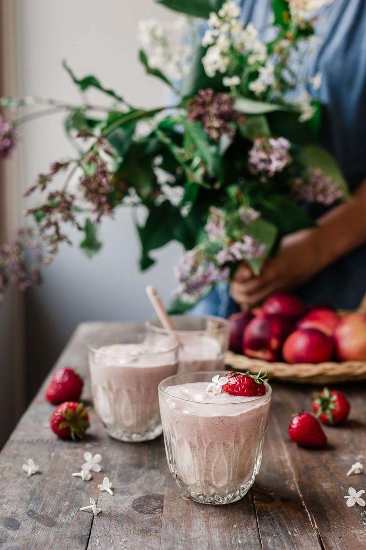 Creamy nectarine strawberry yogurt smoothie