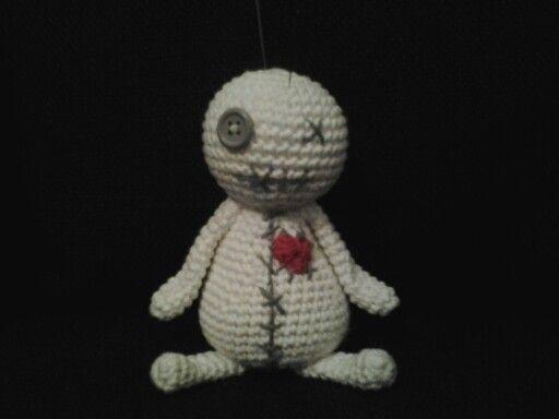 Voodoodoll pin cushion crochet. DIY