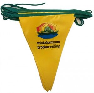 Vlaggenlijn bedrukken met LOGO https://www.vanslobbe.nl/nl/feesartikelen/vlaggenlijnen
