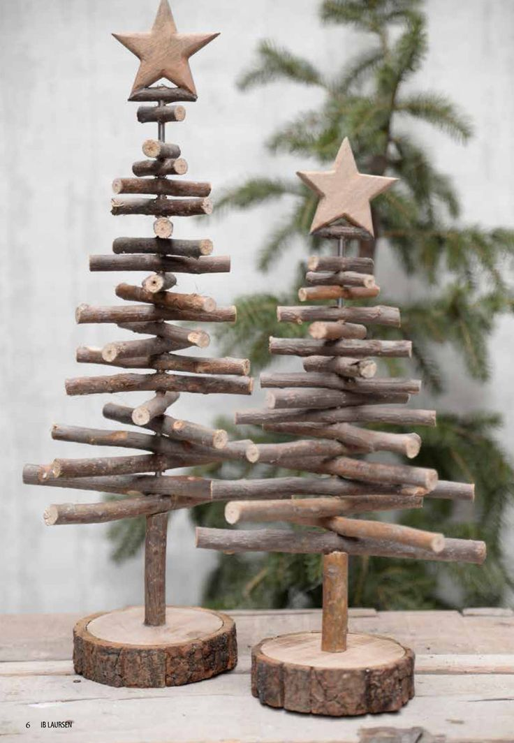 Verschiedene Weihnachtsdeko mit Naturmaterialien