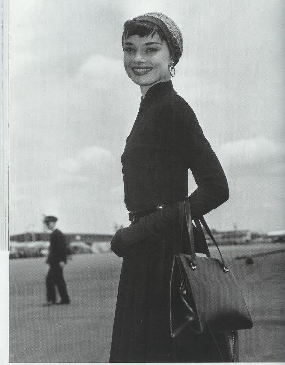 Audrey Hepburn: Vintage Pur, Halloween Costumes Ideas, Fashion Icons, Classic Beautiful, Style Icons, Audrey Hepburn Style, Audreyhepburnstyle, Timeless Fashion, Bags
