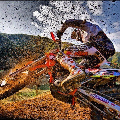 That's what I call a face full of mud:)