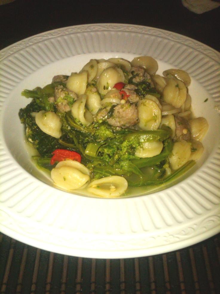 Orecchiette Baresi Con Cime Di Rape e Salsiccia di tacchino (Orecchiette Pasta with Broccoli Rape and Turkey Sausage)