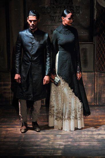 Sabyasachi Mukherjee. AICW 15'. Indian Couture.