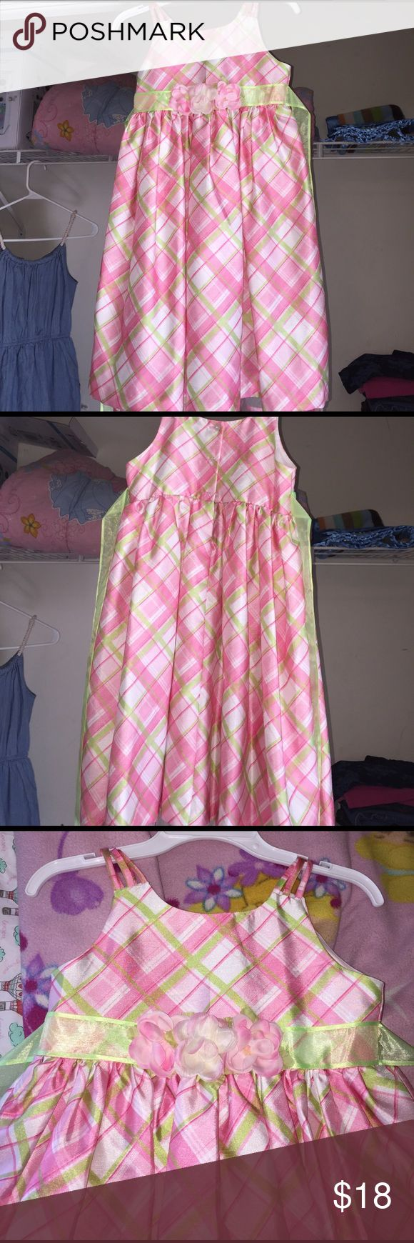 Dress for a toddler girl Multi color dress for little girl. Worn once. Great condition Dresses Formal