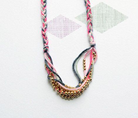 Bloesem-wears-1: Beads Necklaces, Ideas Handmade, Gold Beads, Diy Inspiration, Pretty Diy Fashion, Gold Necklaces, Handmade Diy, Blossom Kids, Braids Necklaces