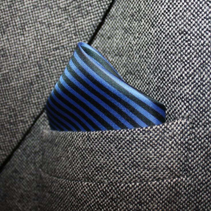 """#MDGRAPHY #BLUE HAMPTONS #POCKETSQUARES #GREENWHITEREDBRAND"""