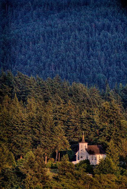 Beautiful little church ♥ Lummi Island Congregational Church, Lummi Island, Washington