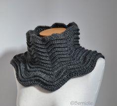 Grey crochet cowl  P502 by Berniolie on Etsy