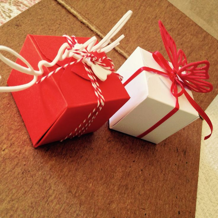 Scatoline porta confetti wedding boxes Per info: https://m.facebook.com/elidea.creazioni?refsrc=https%3A%2F%2Fm.facebook.com%2Felidea.creazioni%2Fphotos_stream&_rdr