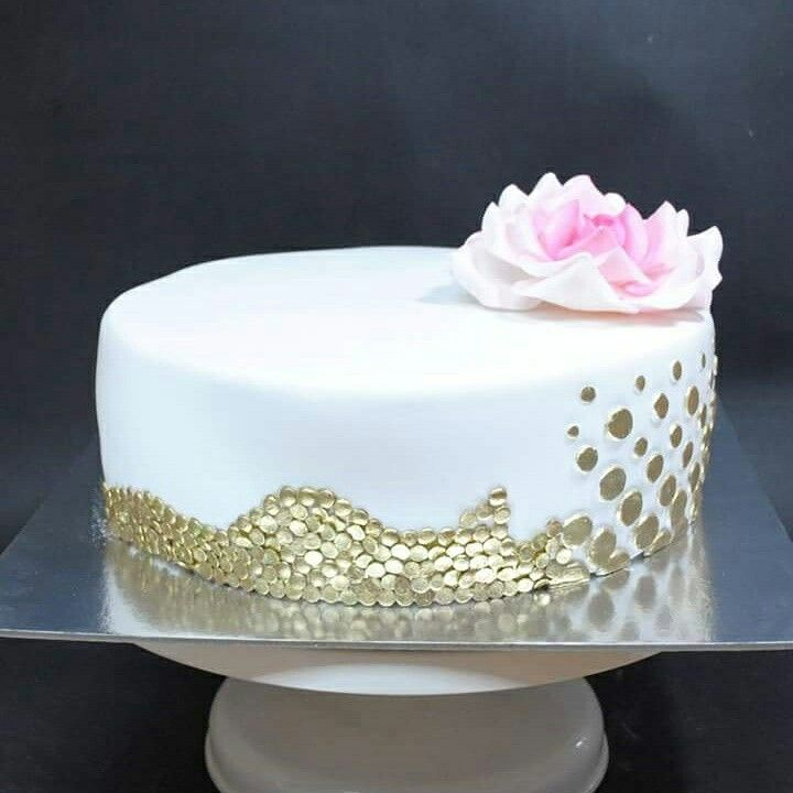 Gold/white cake with rose
