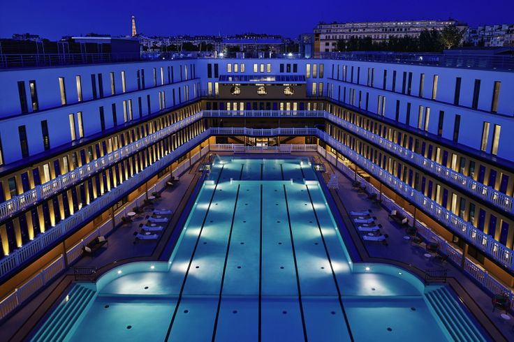 Paris in 20 pools: The 20 most beautiful pools in Paris - Linternaute. A few steps from the Bois de Boulogne, the Molitor swimming pool was for 60 years the legendary pool of western Paris. Associated since its reopening in 2014 at the luxurious Hotel Molitor, the pool has been restored to its former glory with both summer and winter pools. © MGallery