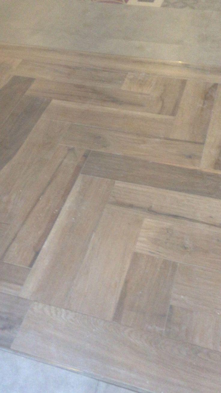 25 beste idee n over hout keramische tegels op pinterest keramische tegelvloeren keramische - Keramische vloeren ...
