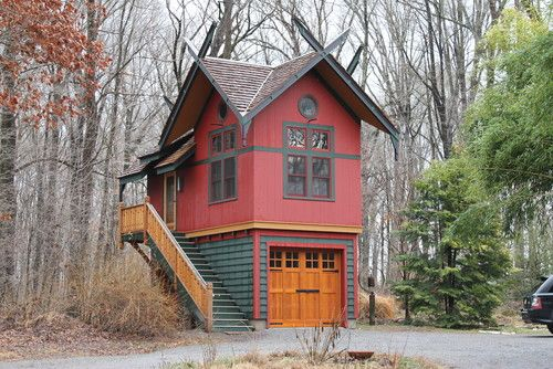 Tiny House Over Garage. This would be an ideal art studio space!