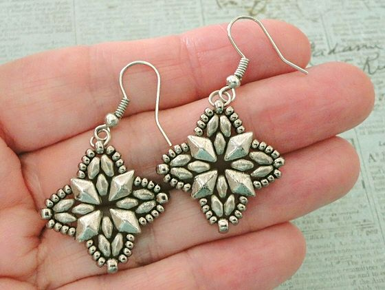 Linda's Crafty Inspirations: Roundabout Earrings - Silver