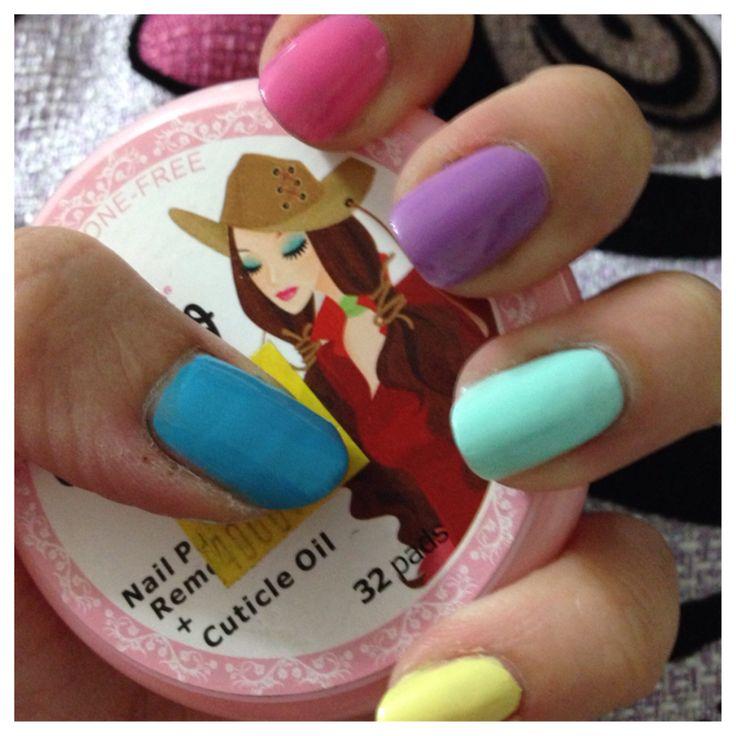 Uñas color pastel