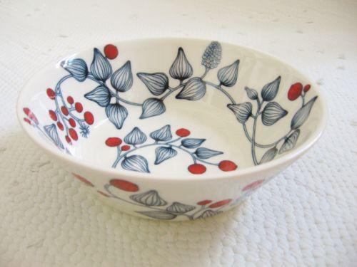 Arabia Finland Hallamarja / Frost Berry bowl 17 cm, decoration Heini Riitahuhta 2000s