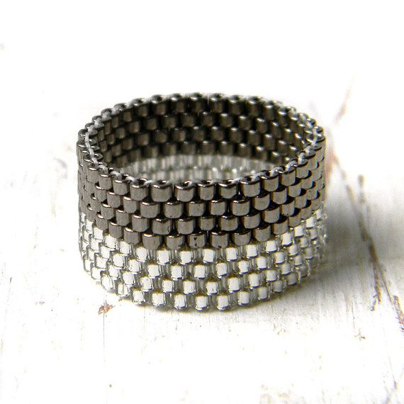 Sparkle peyote ring, modern handmade ring, simple ring, grey shimmer ring, stylish ring, minimalist jewelry, everyday ring, wide band ring