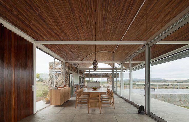 Gualano + Gualano Arquitectos, Federico Cairoli · Calera del Rey House · Divisare