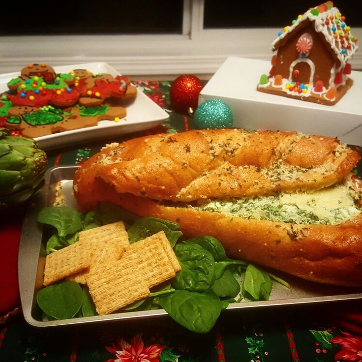 Greasy Vegetarian Garlic Bread stuffed with spinach dip! #Perfectforchristmas