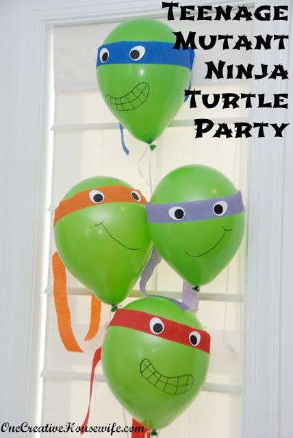 One Creative Housewife: Teenage Mutant Ninja Turtle Party. Crepe Paper tied around inflated balloons and faces drawn with marker! Genius!