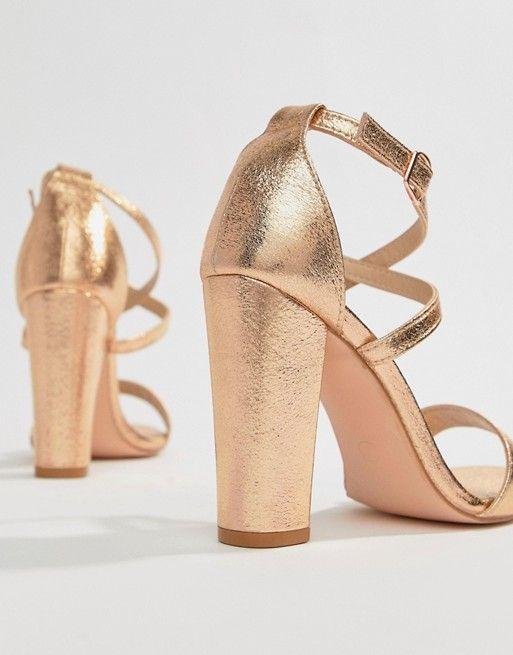 50315f6260f9 Sandalias de tacón cuadrado en dorado rosa metálico con tiras ...