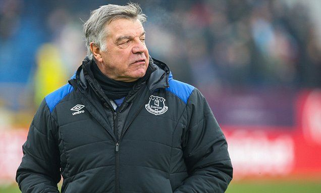 Everton fans turn on Sam Allardyce as he admits season is drifting