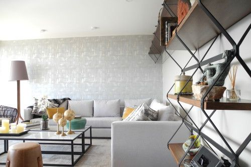 Se realizaron los planos de distribución del espacio, diseño de muebles en obra y elección de mobiliario.