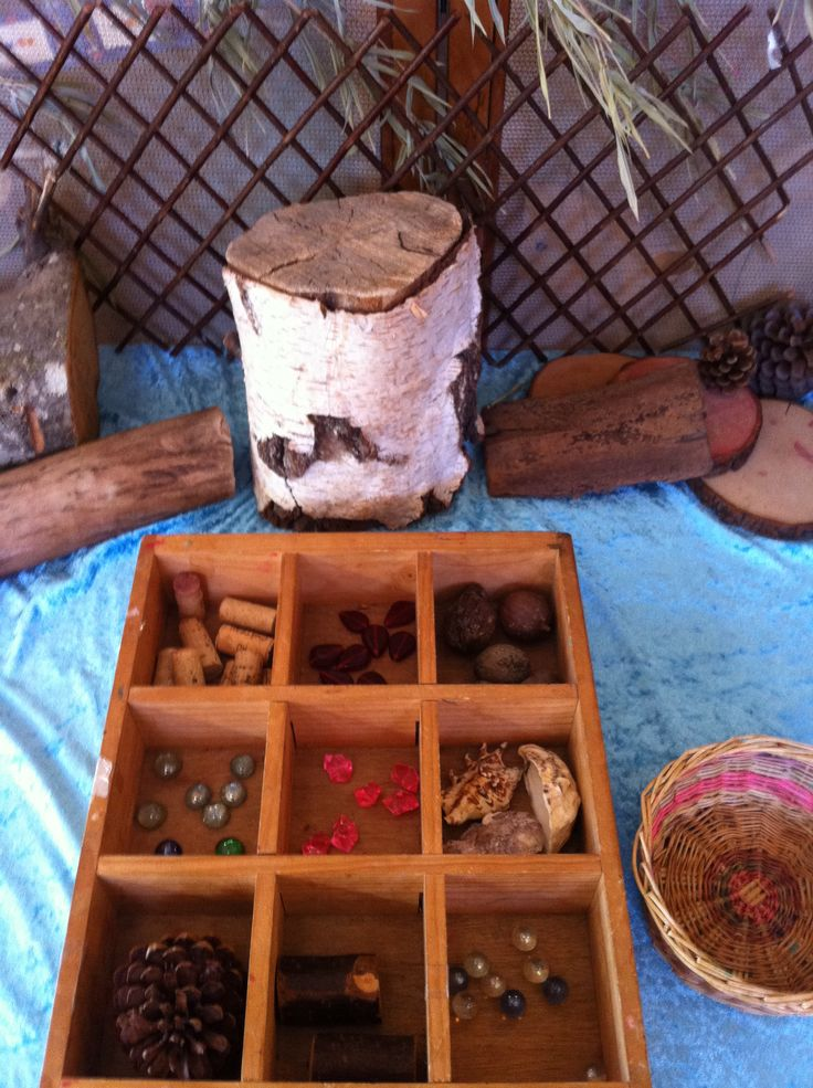 Assorting: using natural materials and stones. Creating patterns and shapes  #maths #classification #patterns