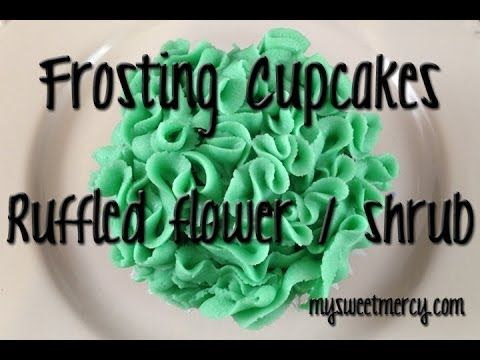 How to frost cupcakes like a ruffly flower using a leaf tip!