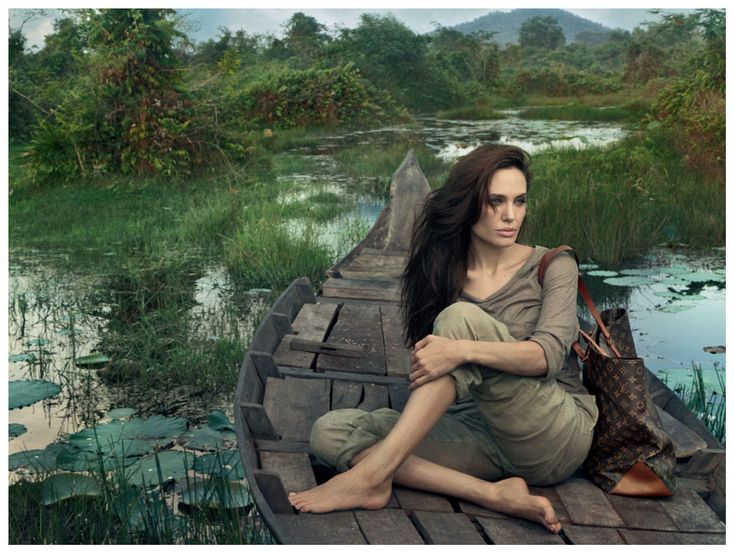 LV   Jolie   Leibovitz
